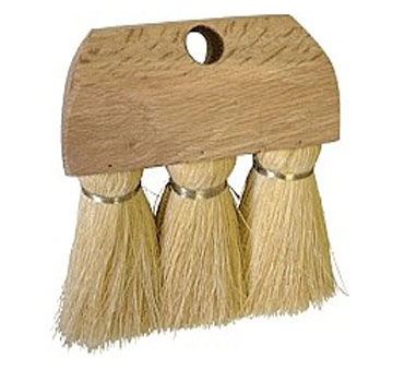 Roofers 3-Knot Brush, 6-1/4 x 1-3/4 Head, 3-1/2 Fibers - 3-knot Roofers Brush, made with 3-1/2 inch long Tampico Fiber. Knots are securely attached in a 6-1/4 Long x 1-3/4 Wide hardwood block with one tapered handle hole. Does NOT include handle. Price/Each.