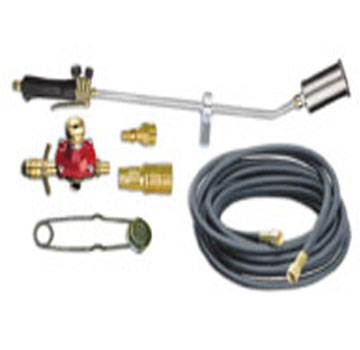 Sievert PS2960 32 inch TurboRoofer Field Torch Kit, 375K BTU - Sievert PS2960 TurboRoofer Field Torch Kit. 32 inch steel torch with 225,000-375,000 BTU/hr, 25 foot hose, POL Adj. Regulator, Flint Striker. Price/Kit.